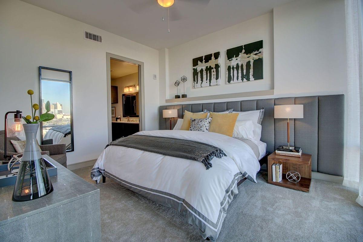 Houston Luxury Apartment Bedroom