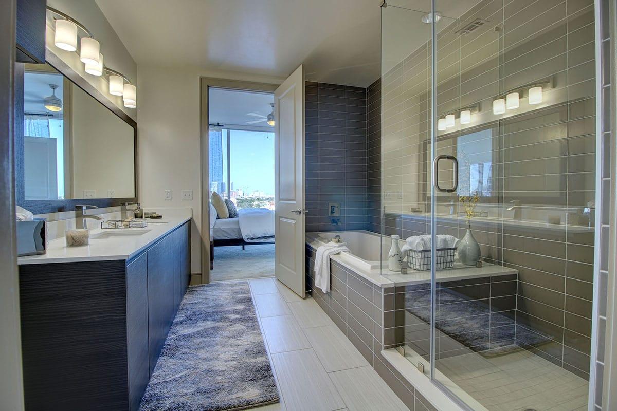 Luxury Bathroom at Aris Market Square