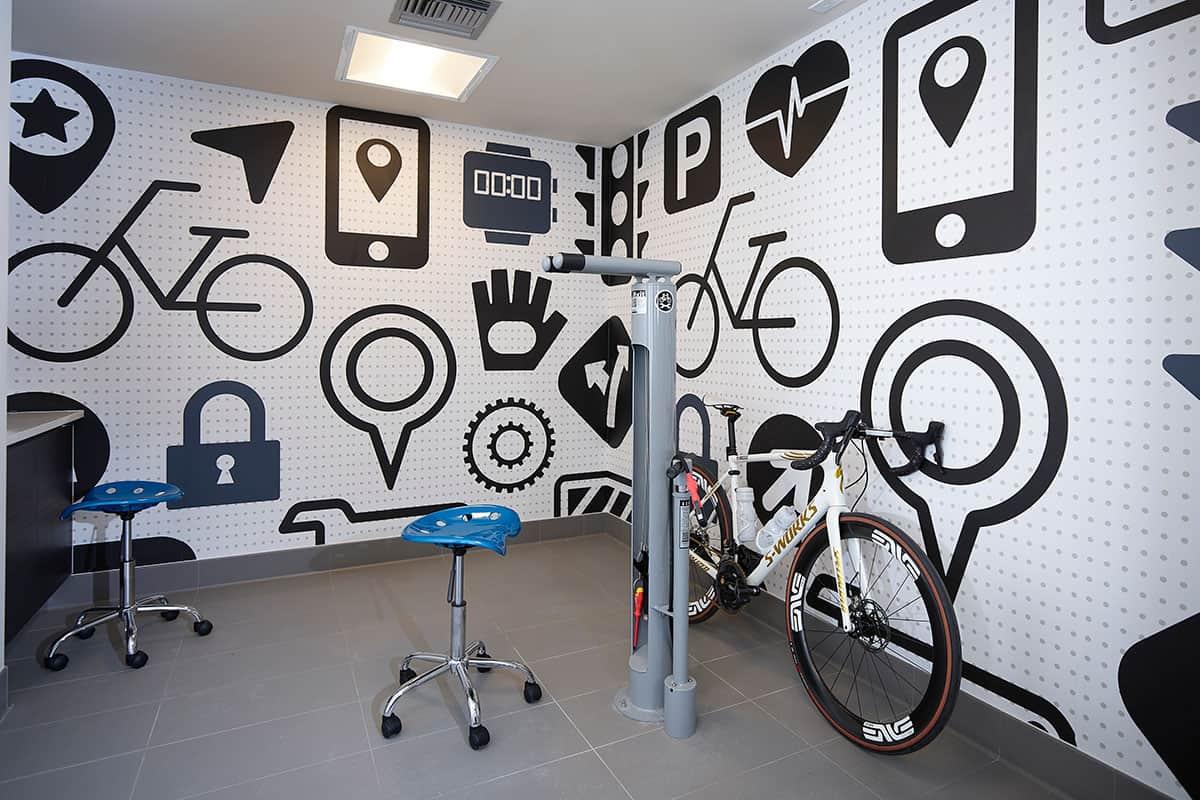 Bike Repair Room